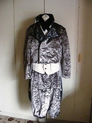 GM3 Theatrical man's tailcoat set breeches & waistcoat silver grey velvet L