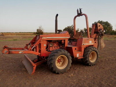 Ditch Witch 8020 Vibratory Cable Plow