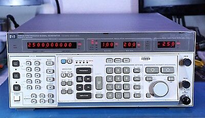 HP Agilent 8663A RF Synthesized Signal Generator 100 kHz to 2.56 GHz