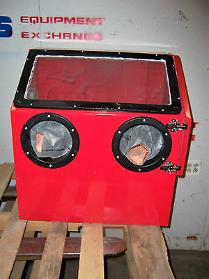 9594 Central Pneumatic 62454 Bench Top Blast Cabinet 100Psi Max