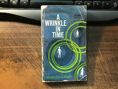 A Wrinkle In Time by Madeline L'Engle Paperback 1973