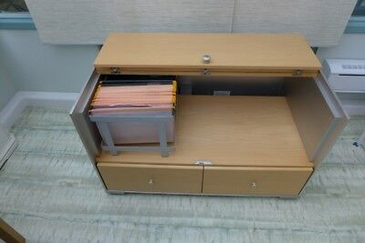 Vitra Low Office Side Table. (Vintage.) Price reduced.