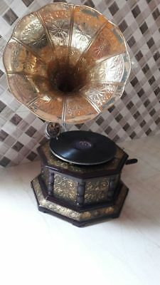 Vintage Fully Working Octagonal Gramophone With Brass Crafted Horn And Base Item