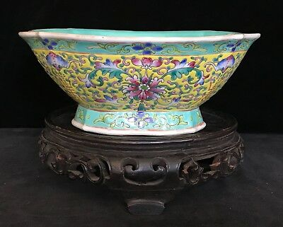 FAMILLE JAUNE BOWL SCALLOPED RIM Yellow Floral 9.3 Inch Chinese Signed c.1910