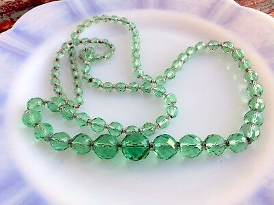 Vintage Art Deco Graduated Faceted Green Glass Beaded Chain Strand Necklace