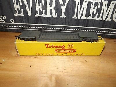 Triang TT T173 bogie well wagon with box