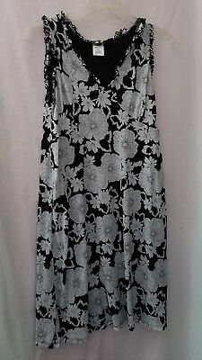 Old Navy maternity dress M black and white floral sheer stretch  black  lining 736b95891