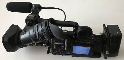 JVC GY-HD110E ProHD Schulter-Camcorder +