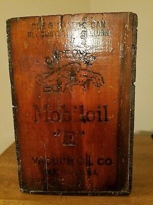 "Old Mobiloil Gargoyle ""E""   Wooden Crate Vacuum Oil Co NEW YORK U.S.A 1920s"