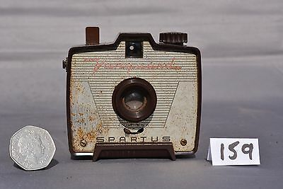 Spartus Vanguard Maroom Plastic Camera  - Chipped Body Spares Only (159)