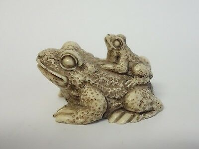 Wony Italy Frog Figurine Carved Resin Toad Mother & Baby Knick Knack