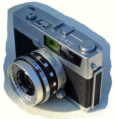 Petri 7s Rangefinder 35mm film camera in working condition.