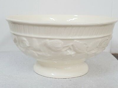 """Leedsware Classical Creamware Footed Bowl Relief Strawberry Pattern 6.3"""" Dia."""