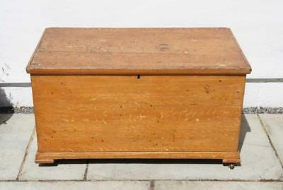 Large late Victorian  pine blanket box or chest, original finish and features