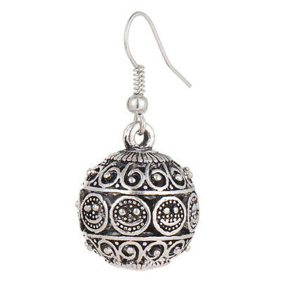 Pair of High Quality Silver Hollowed-out Alloy Dangling Earrings for Women Grils