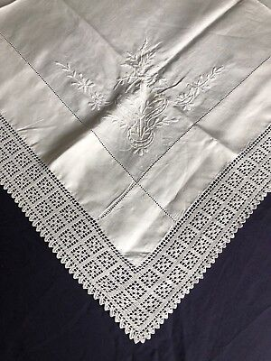 Superb Edwardian Vintage White Linen Tablecloth Crocheted Edging Hand Embroidery