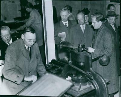 """Demonstration of old printing presses at the exhibition """"The Swedish press"""