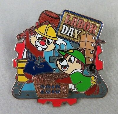 Disney Disneyland DLR Pin - Labor Day 2010 - Chip and Dale - LE 2500