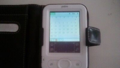 Palm Zire Z22 PDA. Complete with software, case, stylus and charger.