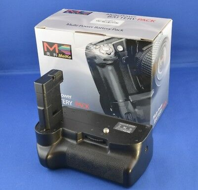 Mieke Battery Grip for Nikon D3100 and D3200 - Excellent Condition