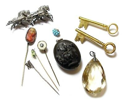 Collection Of Old Antique Jewellery Stick Pins Brooches Pendants (C10)