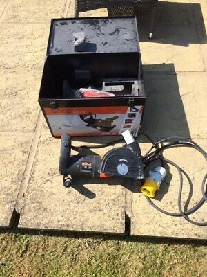 Golz Heavy Duty Wall and Floor Chaser type SF150 - 110v - 2000w -good condition