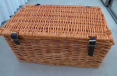 Large Wicker Picnic Basket Hamper