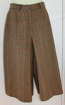 Vintage 'Sportscraft' wool culottes. Size 10 Excellent condition.