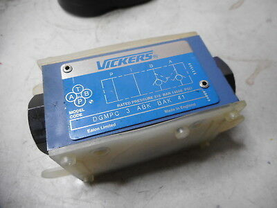 VICKERS EATON -- PILOT OPERATED CHECK VALVE -- 315BAR Max -- DGMPC-3-ABK-BAK-41