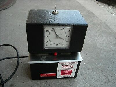 Lathem Time Clock Model 3021! Tested and Working! Has Key!
