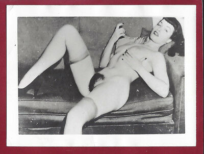 1950 Vintage Nude Photo~EXTREMELY RARE~Sultry Pinup Betty Page Poses while Drunk