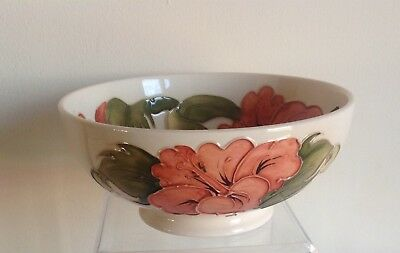 """Vintage Moorcroft Pottery Tube Lined Stunning """"Hibiscus"""" Flowers Pattern Bowl"""