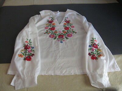 Vintage Hungarian Embroidered Blouse Top Floral Size 158-48 medium? Long Sleeve