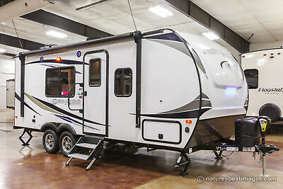 New 2019 202RB Rear Bathroom Ultra Lite Never Used Travel Trailer For Sale Cheap