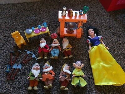 Snow White and the Seven Dwarves doll playset