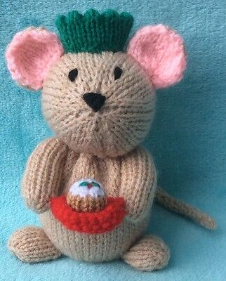 KNITTING PATTERN -  Currant the Christmas Mouse chocolate cover / 16 cms toy