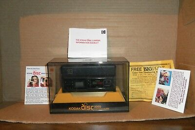 KODAK 8000 Disc Camera With Case & Manual VINTAGE 1980's PARTS?