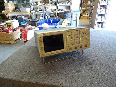 TEKTRONIX TDS744A OSCILLOSCOPE 500MHz Opts 13 1F 1M 2F ( Pass Self Tests )