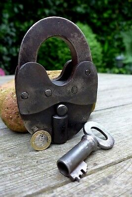 Antique Vintage Large Beautiful Padlock with one key working order, 1.3 kg 27-01