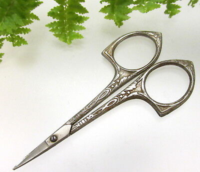 Wonderful Antique Embroidery Scissors With Pretty Design