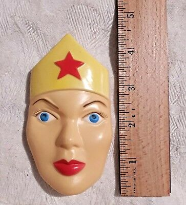 1978 New Old Stock Vintage Wilton WONDER WOMAN Face Plate For Cake