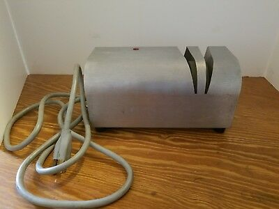 EDLUND Mod. 390 Commercial Grade Electric Knife Sharpener Very Good Condition