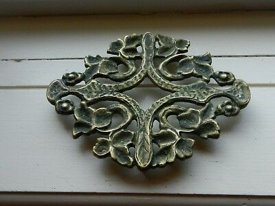 Large Antique Brass Trivet With 4 Feet Leaf Design