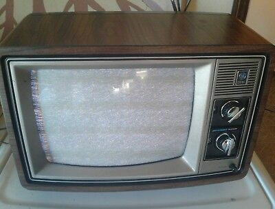 Vintage 70s? GENERAL ELECTRIC PERFORMANCE 13AC3504W TV Television Works Antennas