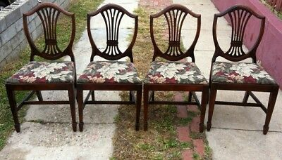 Set of 4 Antique Hepplewhite style shield back chairs