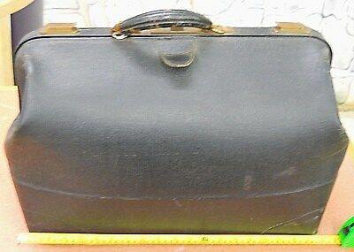 """Surgeon's """"large"""" Black Leather Doctor's Bag.. Late 1800's, Mayville Kentucky"""