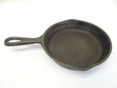 Vintage Used Small Single Pan No 3 Cast Iron Metal Skillet with Heat Ring Old