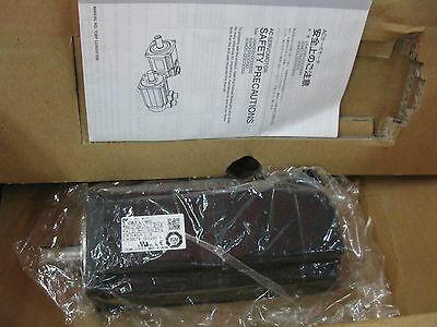 1PCS NEW IN BOX Yaskawa Servo motor 400W SGM-04A312C