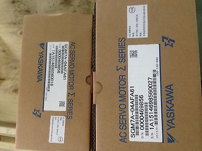 1PCS NEW IN BOX  Yaskawa servo motor SGM7A-04AFA61