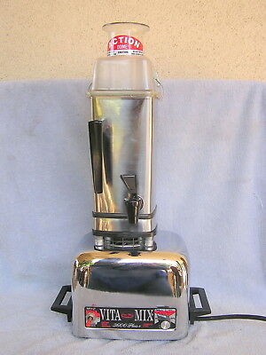 Heavy Duty Vitamix 3600 Plus + Blender With Container & Dome Lid Working